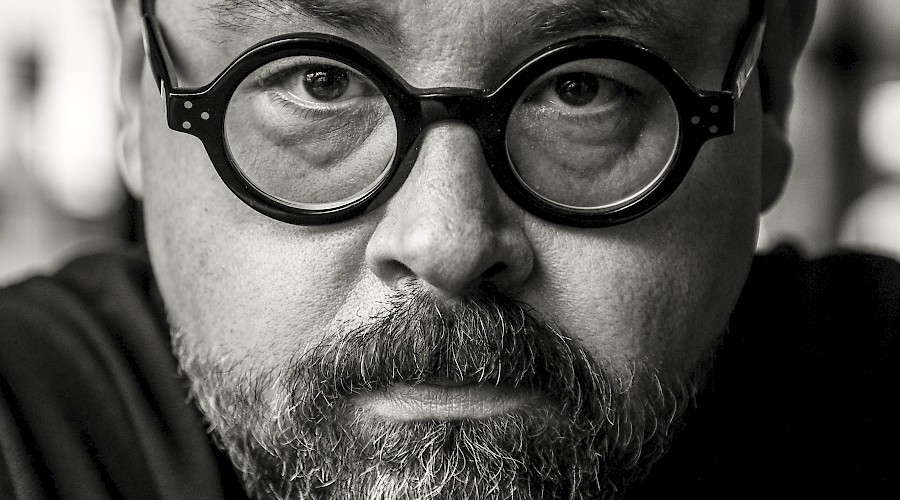 Carlos Ruiz Zafón: How to 'Play' a Novel. An Insight into his Books and Music