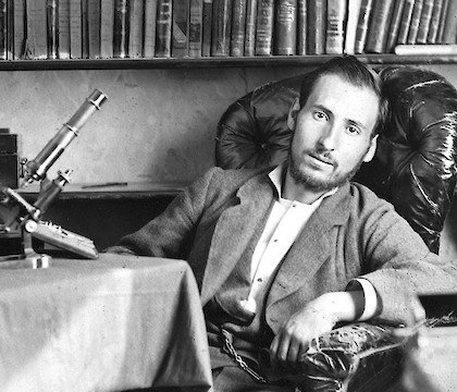 The birth of the eye: Homage to Ramón y Cajal
