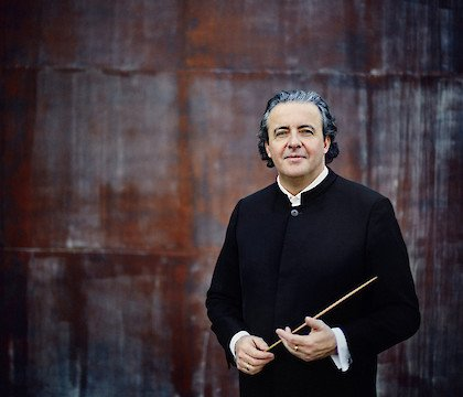 Juanjo Mena at National Symphony Orchestra